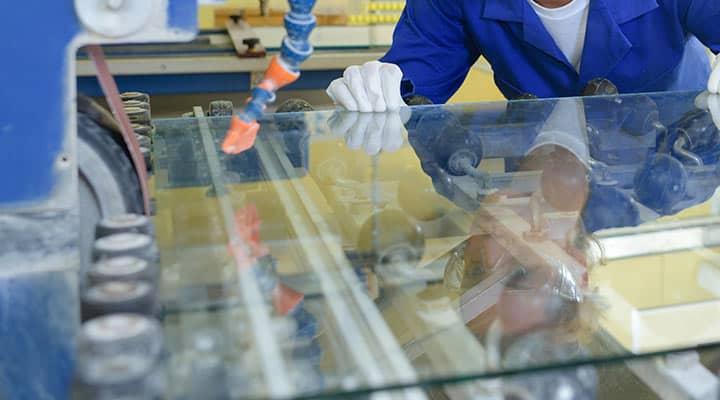 Usługa szlifowania szkła i polerowania krawędzi